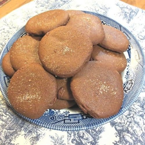 Old-Fashioned Molasses Cookies on a blue willow plate